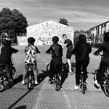 """Lancement du séjour socio-sportif """"Toutes Sportives à vélo""""  Du 7 au 9 juillet 2021 · Dossier de présentation"""